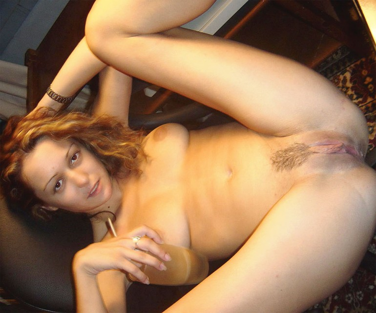 a naturally light tanned women nude